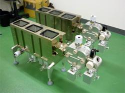 高性能小型マルチターン飛行時間型質量分析計